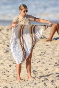 brittany-hockley-in-a-bikini-at-bondi-beach-in-sdyney-15.jpg