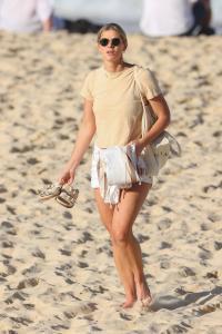 brittany-hockley-in-a-bikini-at-bondi-beach-in-sdyney-17.jpg
