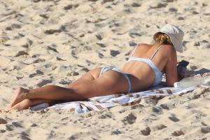 brittany-hockley-in-a-bikini-at-bondi-beach-in-sdyney-22.jpg