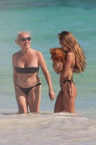 clara-berry-in-a-bikini-in-tulum-05-20-2021-11.jpg