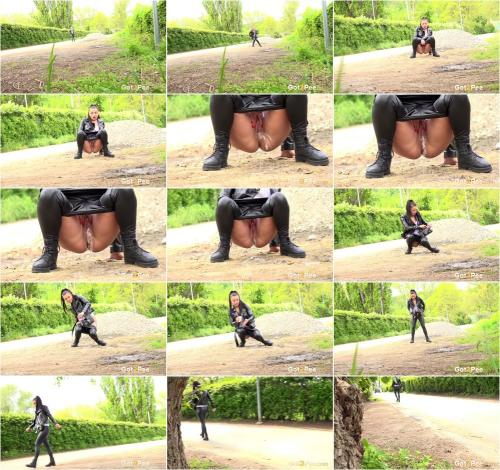Dafne In Leather [FullHD 1080P]