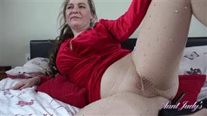 auntjudys-21-05-17-after-dinner-bedroom-pov-play-with-nel.jpg