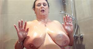 grandmams-21-05-15-miranda-steel-big-boobs-and-always-wet.jpg
