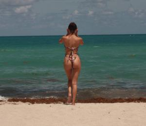 tao-wickrath-in-a-bikini-at-the-beach-in-miami-02.jpg