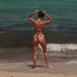 tao-wickrath-in-a-bikini-at-the-beach-in-miami-10.jpg