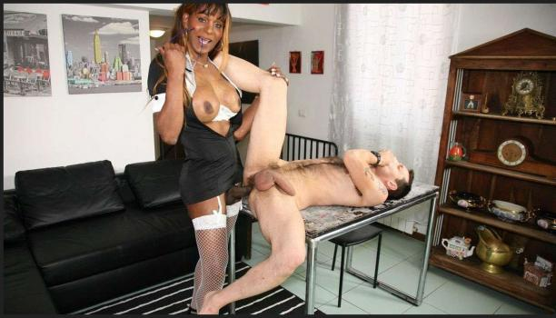 Pinkotgirls.com- Sexy Trans puts it on and takes it in the ass