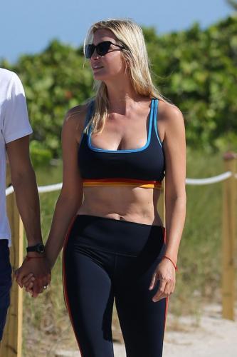 ivanka-trump-in-a-sports-bra-and-leggings-miami-05-08-2021-14.jpg