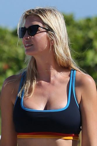 ivanka-trump-in-a-sports-bra-and-leggings-miami-05-08-2021-10.jpg