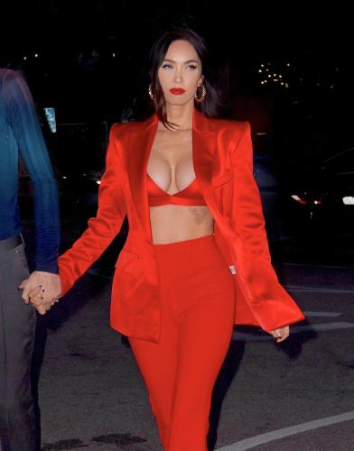 megan-fox-in-a-red-hot-bra-with-matching-satin-suit-and-platform-heels-05-16-202.jpg