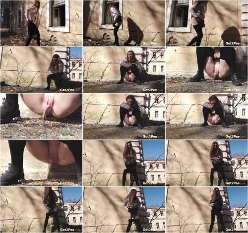 Pantyhose Down [FullHD 1080P]
